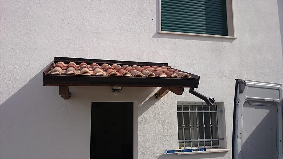 Pergolati in legno a ferrara parma e bologna tettoie in for Copertura finto coppo